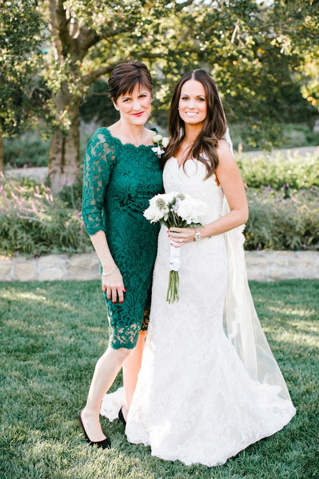 robe mère de mariée courte verte dentelle col bateau avec manches